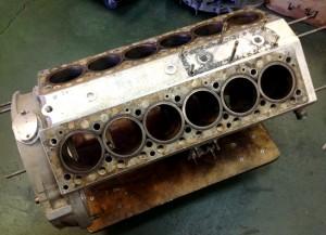 FerrariV12ブロック
